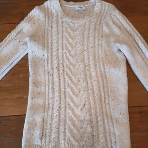 Light cabled sweater